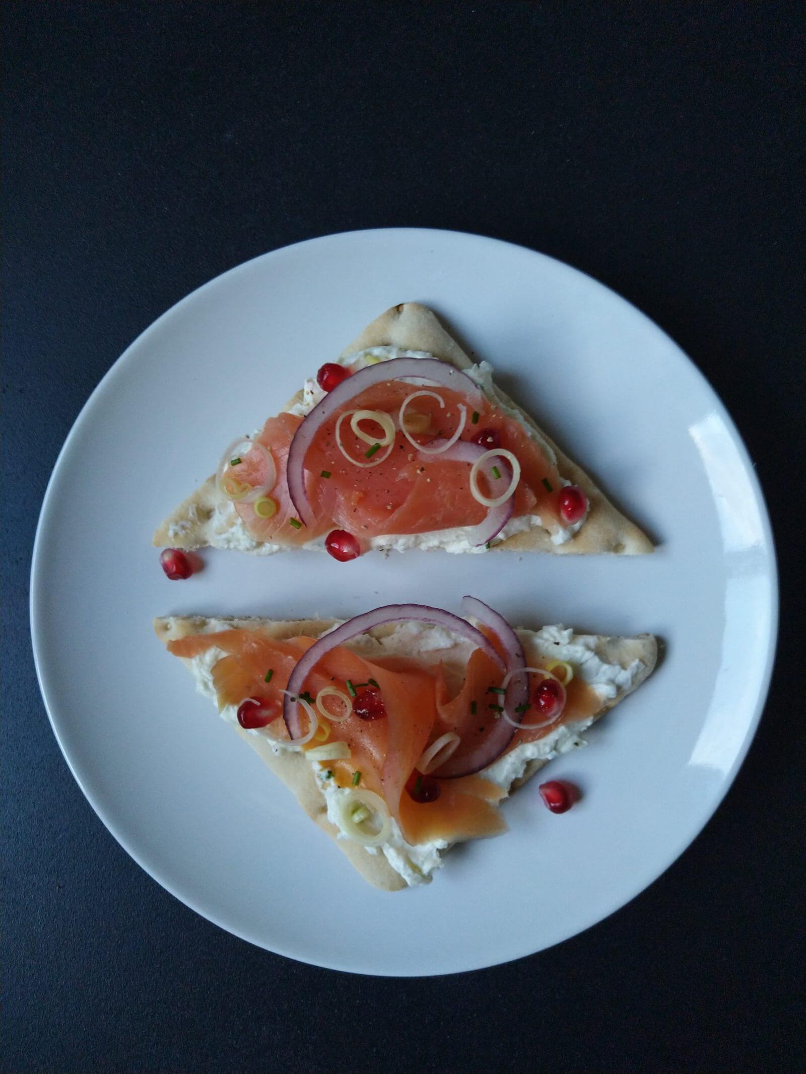 Tartine nordique, saumon et fromage de brebis